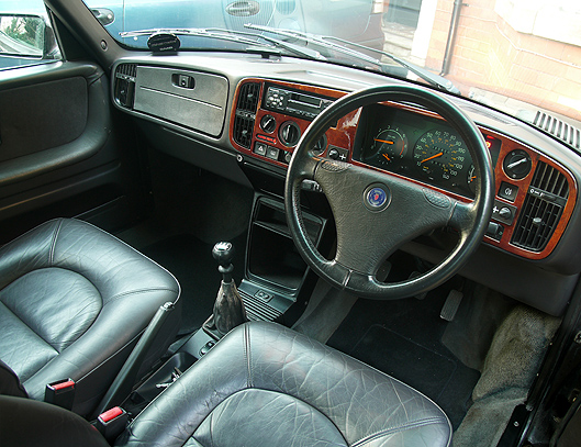 SvsS_900 Interior 1