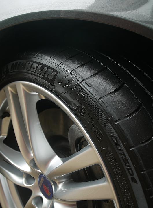 SvsS_Michelin Tyres 1